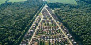 Эксперты назвали регионы — лидеры по росту цен на загородные дома